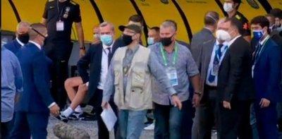 Bochorno en Brasil-Argentina: el partido quedó suspendido a los 6 minutos de juego por el ingreso de autoridades sanitarias