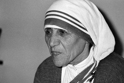 A 24 años de la muerte de la madre Teresa de Calcuta, un emblema de dedicación a los pobres