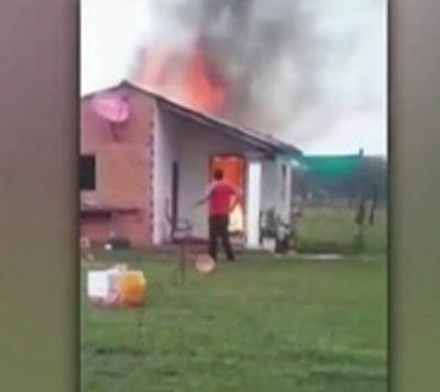 Familia pierde todo en incendio de su vivienda