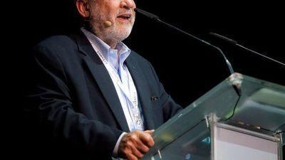 Nobel de Economía Joseph Stiglitz defiende impuesto mínimo de 25% a multinacionales