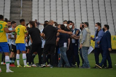 ¡Papelón! Partido suspendido entre Brasil y Argentina