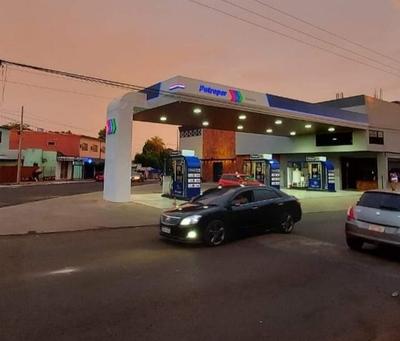 Asaltan estación de servicio en Franco