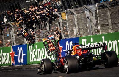 Verstappen gana  y es nuevo líder