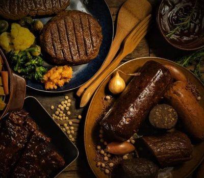Llevando la estupidez a un nuevo nivel: «Abren en Madrid la primer carnicería 100% vegetal»