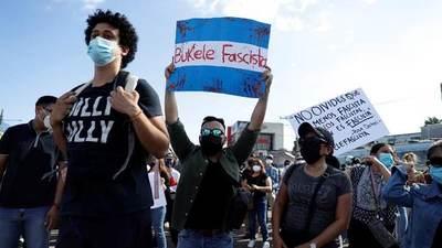 El Salvador: protestas contra el fallo del Tribunal Supremo que permite la reelección de Bukele