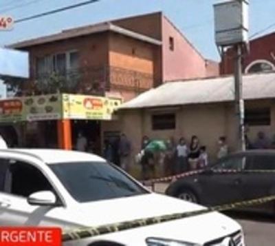 Atacan a tiros a una camioneta en Fernando de la Mora
