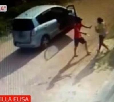Intolerable: Asaltan a punta de puñal a una mujer y su bebé en brazos
