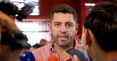"""La Nación / """"Los arreglos se hacían entre cuatro paredes"""", recordó Alliana a Samaniego su presidencia en ANR"""