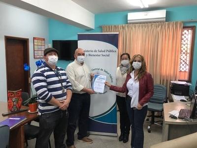 Certifican re-inscripción y funcionamiento del laboratorio del Hospital del Trauma