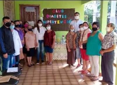 Asisten a diabéticos e hipertensos del barrio Pablo Rojas