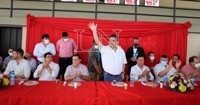 """La Nación / Velázquez considera como un """"lindo regalo"""" el apoyo de Abdo con miras al 2023"""
