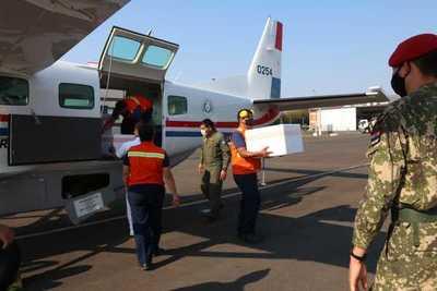 Llega cargamento de 48.000 vacunas AstraZeneca de Uruguay