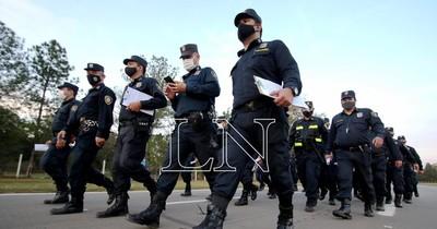 La Nación / Ante ola de inseguridad piden listado de policías que realizan custodia privada