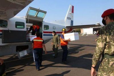 Llega cargamento de 48.000 vacunas AstraZeneca donadas por Uruguay