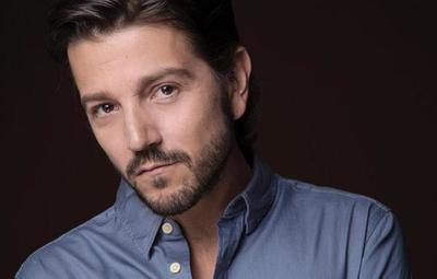 El mexicano Diego Luna es el Premio de Honor de los Premios Platino