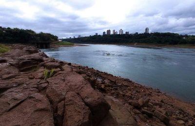 Gobierno alerta de un alza de costos general ante la sequía del río Paraguay