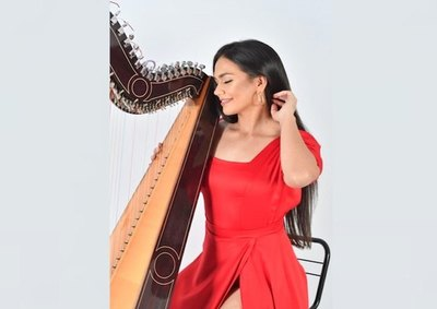 Crónica / ARPISTA SE REINVENTA. Loperro piden saludito y una melodía en arpa para sus yiyis