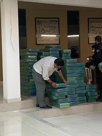 Incautan más de 2.800 kilos de marihuana y detienen a 4 personas