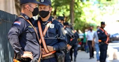 """La Nación / La Policía reconoce que necesita mayor personal para brindar """"tranquilidad"""""""