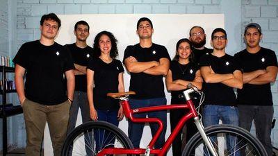 Jóvenes lanzan bicicletas eléctricas para Estados Unidos