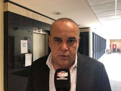 Bachi Nuñez señaló que si Alegre no puede administrar su partido, menos podrá manejar el país