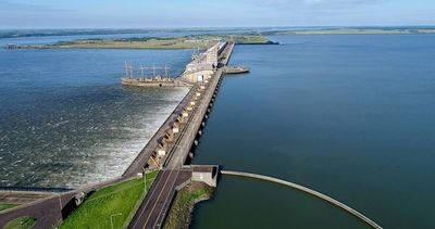 Desde Parlasur consultan al canciller por qué Paraguay no vende energía de la EBY al Brasil