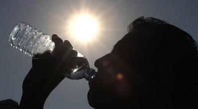 La hidratación debe ser con agua y no con tereré, recuerda especialista