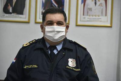 """Comandante de Policía desafía a medios a probar que hubo """"tragada"""" de combustible"""