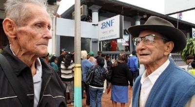 Programa de pensión alimentaria incorporó a más de 28.000 adultos mayores