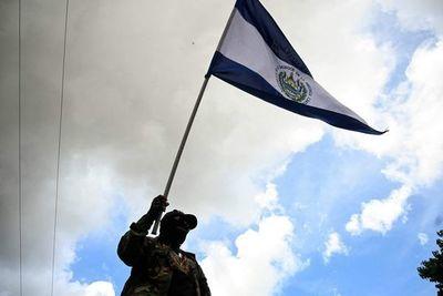 El Congreso de El Salvador aprueba que delitos de corrupción no prescriban