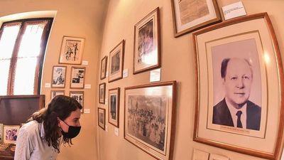 Visita guiada en el museo sobre    José Asunción Flores