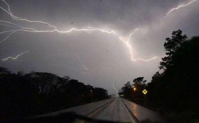 Miércoles con clima fresco, lluvias y tormentas eléctricas