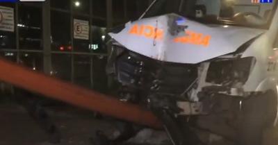 Paciente trasladado muere tras choque de ambulancia