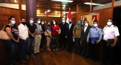 El MIC y la UIC se reunieron con  productores de pymes de huevos para abordar problemática del ingreso ilegal
