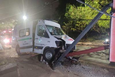 Fallece paciente tras chocar la ambulancia en la que era trasladado