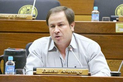 Diputado pide al presidente la destitución del comandante a quien tilda de «ladrón de cuarta»