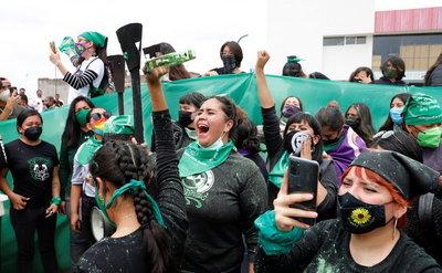 México despenaliza el aborto tras una decisión judicial histórica
