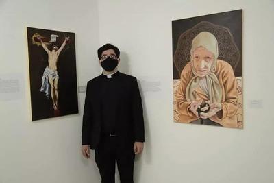 Sacerdote de San Lorenzo expone obras en Manzana de la Rivera