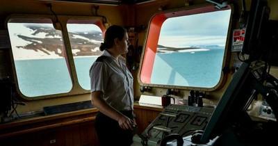 La Nación / Una mujer rusa lidera una tripulación de hombres rumbo al Polo Norte