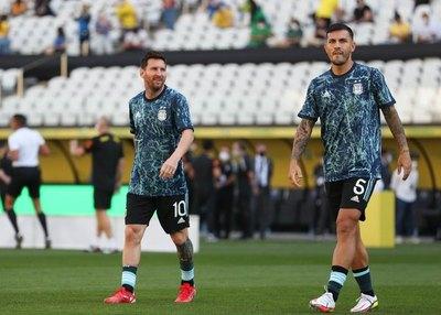 Scaloni llama a replantear las Eliminatorias si los clubes no ceden jugadores
