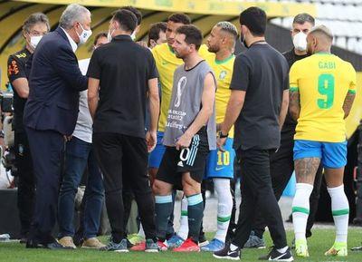 """Tite considera """"justa"""" la decisión que suspendió el clásico con Argentina"""