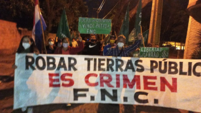 FNC realiza segundo día de escrache, esta vez a Fidel Zavala
