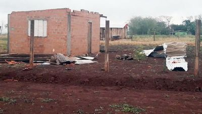 Breve pero fuerte temporal ocasionó destrozos en   el norte de Alto Paraná