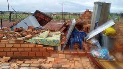 Destrozos y damnificados tras fuerte temporal que azotó el norte de Alto Paraná