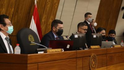 Diputados postergan multas a no votantes