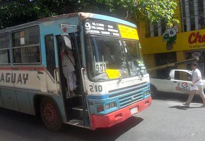Piden que buses sean sancionados por subir pasajes de manera arbitraria