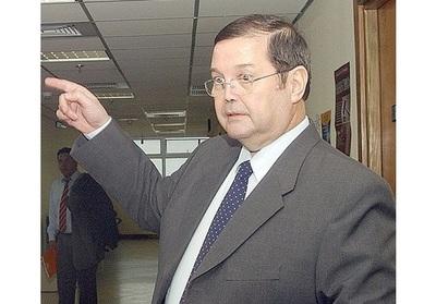 'La mansión del EPP es la selva y nosotros les pagamos los custodios', repudia abogado