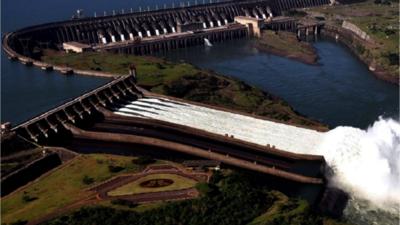 Investigadora de EEUU advierte sobre déficit de Paraguay para negociar Tratado de Itaipú