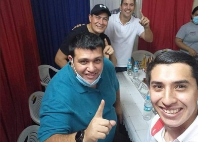 Peña participa de campaña de condenado y dice que no es precandidato