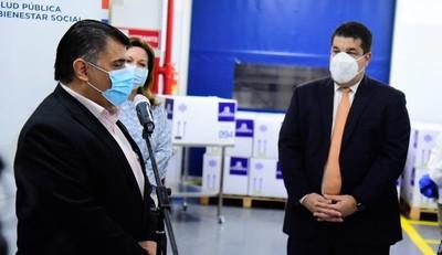 La Policlínica transfiere a Salud tecnología para almacenamiento de vacunas